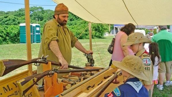 Image 110520 Mitch Yates Gunmaker Artisan Field Trip 2