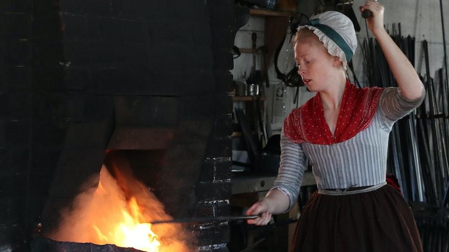 Blacksmith Aislinn Lewis