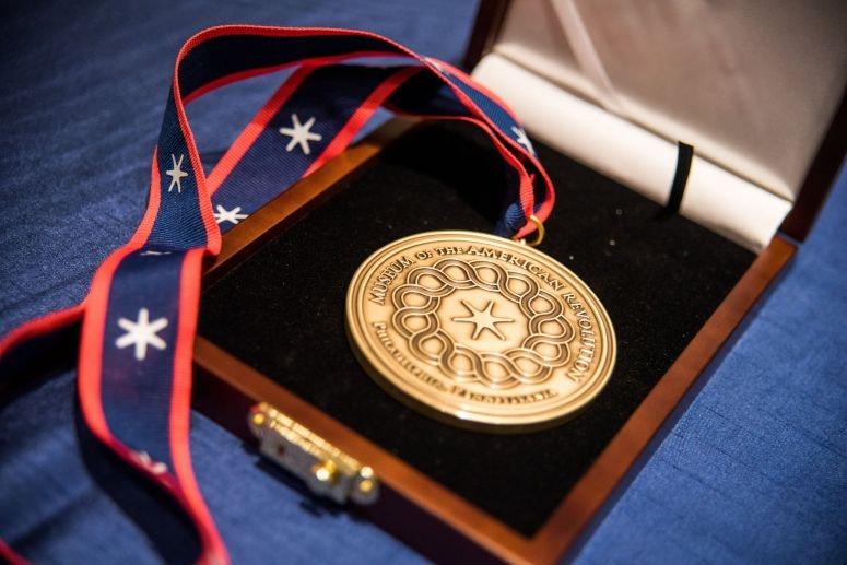 Image 101620 Spirit American Revolution Award Medal