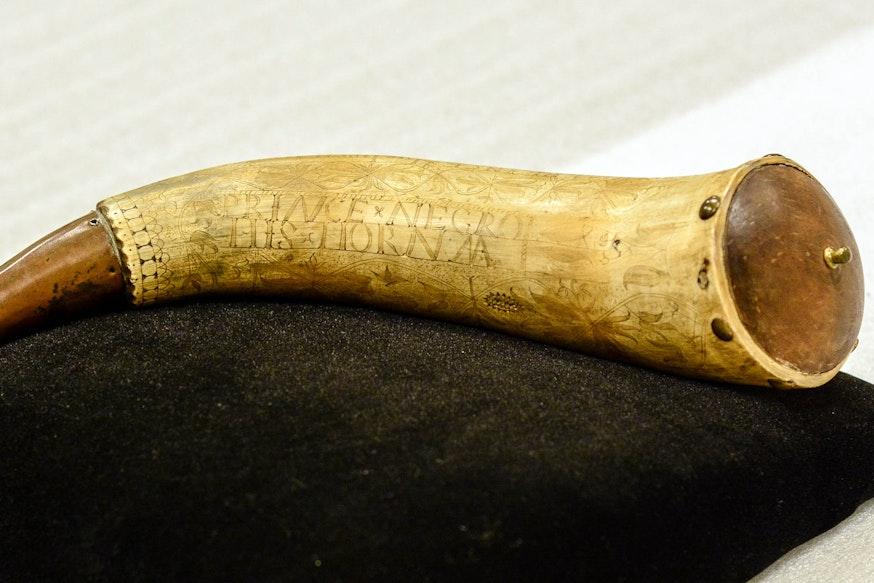 Powder horn belonging to Gershom Prince
