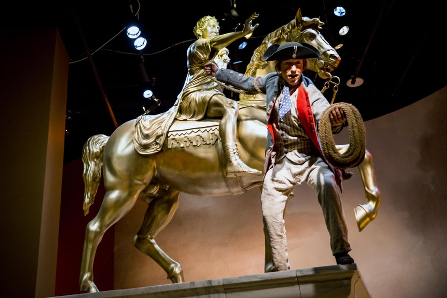 King George Statue Tableau Scene